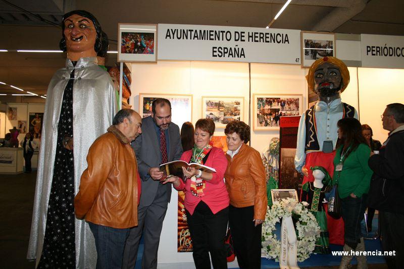 Stand del Ayuntamiento de Herencia en la VI Feria de las Américas